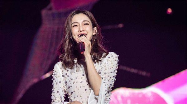 """""""在幸福的路上""""继续前行 范玮琪世界巡回演唱会杭州站即将开唱"""