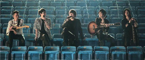8五月天重返「第168场演唱会」体育场 再续青春〈爱情的模样〉.jpg