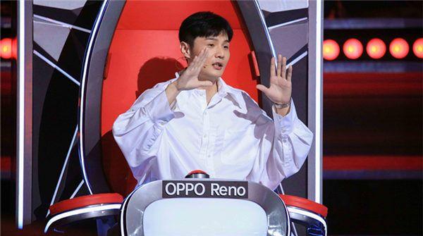 浙江卫视2019《中国好声音》播出第四期  导师盲选进入倒计时 王力宏为抢人亲自登台伴奏