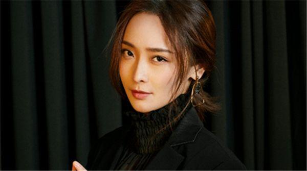 李曼肆E时尚大片曝光  飒爽不失柔情演绎双面性格