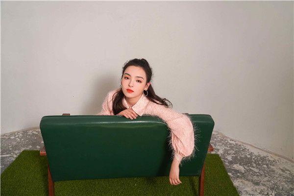 爱新觉罗·媚首张创作EP《Mei》上线 优美旋律演绎青春故事2.jpg