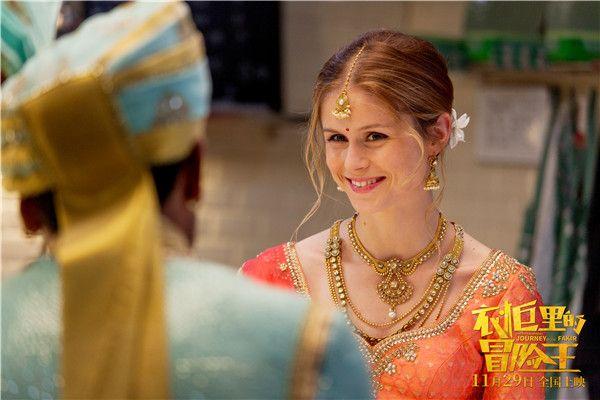 阿贾向玛丽讲述印度的风土人情.jpg