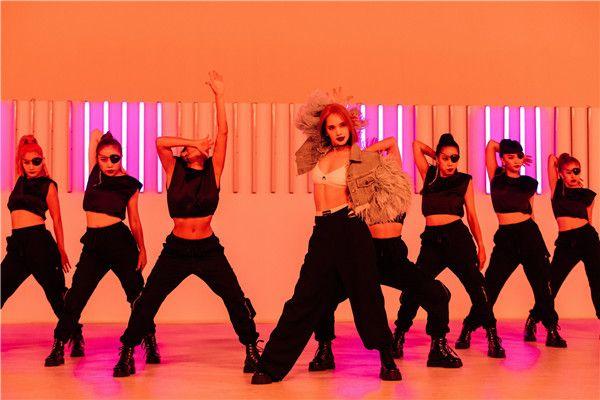 杨丞琳《BAD LADY》单曲、MV同步上线  新单曲《BAD LADY》找回初心完成20年唱跳歌手梦