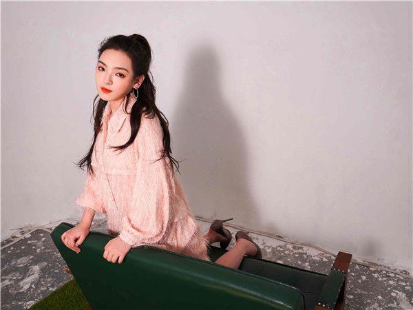 爱新觉罗·媚首张创作EP《Mei》上线 优美旋律演绎青春故事3.jpg