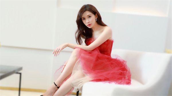 林志玲虞美人红纱裙耀动上海 现场互动反响热烈