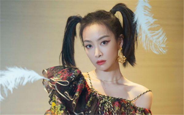 宋茜湖南卫视双11晚会嗨唱青岛Rap 双马尾亮相反转魅力爆棚