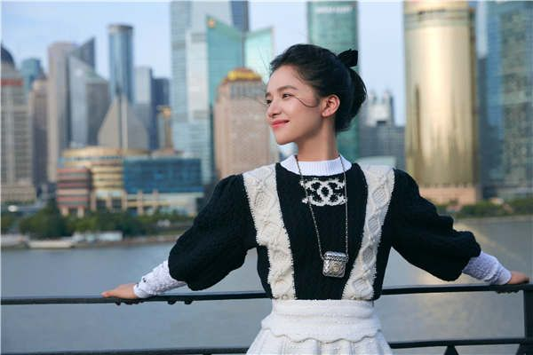 """张婧仪演绎CHANEL 2020/21 """"女士城堡""""高级手工坊系列 诠释港风复古氛围"""