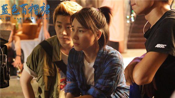 《蓝色百褶裙》揭开原生家庭之痛 12月28日温暖寒冬