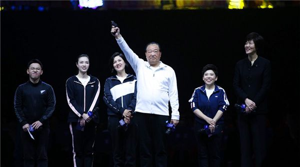 吴敏霞现身超新星全运会决赛 6大奥运冠军共同传递体育精神