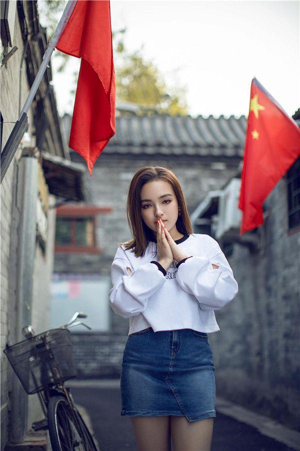 爱新觉罗·媚发布全新《China》MV 用音符传递爱国情怀4.jpg