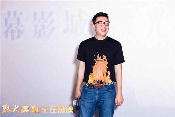 路演现场陈国辉与观众面对面交流.jpg