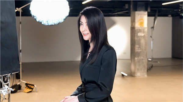 """陈慧琳唱《女心理师》主题曲 18年后梦幻联动重温""""心理大师"""""""