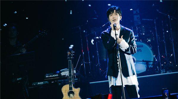 陈楚生首次来天津举办巡演   「你还好吗」温暖问候等待已久的歌迷
